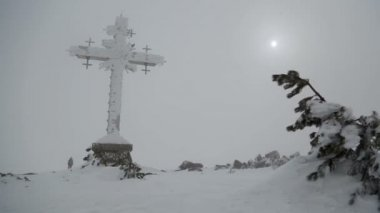 Giant cross. — Stock Video