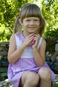 Small Girl In Garden — Stock Photo