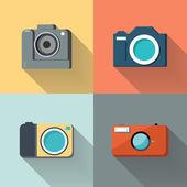 Ensemble d'appareils photo sur fond de couleur avec ombre portée. — Vecteur