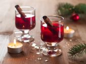 Hot tea or mulled wine — Stock Photo
