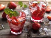 Summer strawberry drink — Stock Photo