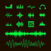 Sound waveforms. Sound waves and musical pulse icons — Stock Vector