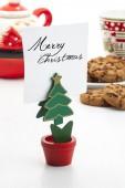 Christmas tree shaped note clip — Stock Photo