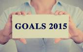 Businesswoman hands holding sign with goals 2015 text message — 图库照片