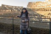 Girl in coliseum — Stock Photo