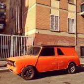 Old orange car — Stock Photo