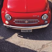 Red Fiat 500 car — Stock Photo