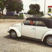 Driver in old Volkswagen — Stock Photo