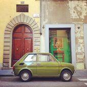 Retro green Fiat car — Stock Photo