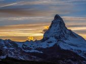 Matterhorn in early morning with reflection — Stock Photo