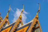 Thai temple roof top — Stock Photo
