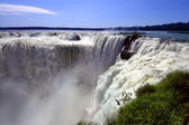 Iguazu waterfalls in Argentina and Brazil, South America — Stockfoto