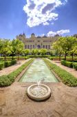 Pedro Luis Alonso gardens and the Town Hall building in Malaga,  — Stockfoto