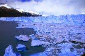 Изображения, захваченные в ледник Перито Морено в Патагонии («Аргентин» — Стоковое фото