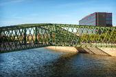MADRID JULY 1, 2014: Manzanares River, a bridge and the Ribera d — Stock Photo