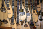 Lutes, Typical greek instrument, in a store in Athens, Greece — Stock Photo