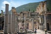 EPHESUS, TURKEY - AUG 01: visitors in Curetes street on August 0 — ストック写真