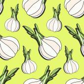 Elegant seamless pattern with hand drawn garlic, design elements. Can be used for invitations, greeting cards, scrapbooking, print, gift wrap, manufacturing. Food vector background — Stock Vector