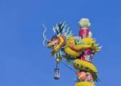 dragon and blue sky — Zdjęcie stockowe