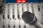 Microphone in sound studio — Stock Photo