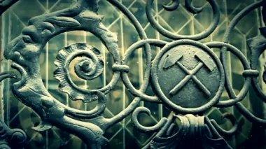 Cinematic shot of iron masonic symbols — Stock Video