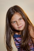 Little Girl Posing in the Camera — Stock Photo