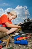 Repair the radio control car — Stock Photo