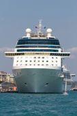 Croisières du port d'istanbul伊斯坦布尔港的邮轮 — 图库照片