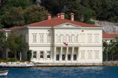 Building in Bosphorus Strait — Stock Photo