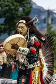 Traditional Native American Dancer — Stock Photo