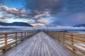 Salmon Arm Wharf on a cloudy morning sunrise. — Stock Photo
