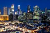 Aerial View of Singapore's Chinatown and Skyline at Dusk — Stock Photo