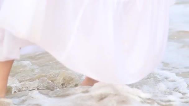 девочки пляжные крупным планом видео