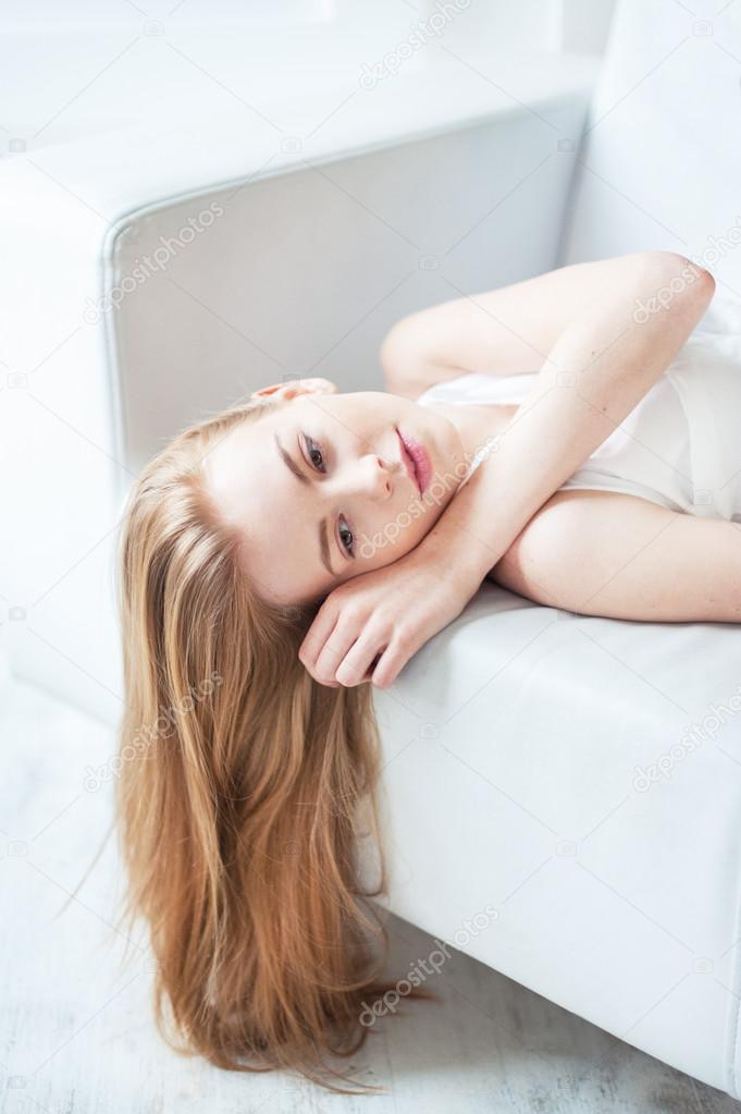 Красота молодого тела девушки фото 256-519