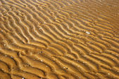 Waves on the sand — Stockfoto