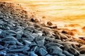 Felsen und wasser — Stockfoto
