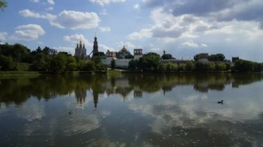 Novodevichy  monastery summer cloud by day — Stock Video