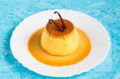 Creme Caramel with Vanilla Beans on Top — Stock Photo