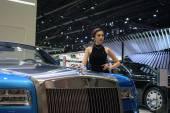 Rolls-Royce Pretty girl in the 36th Bangkok International Motor Show 2015 — Stock Photo