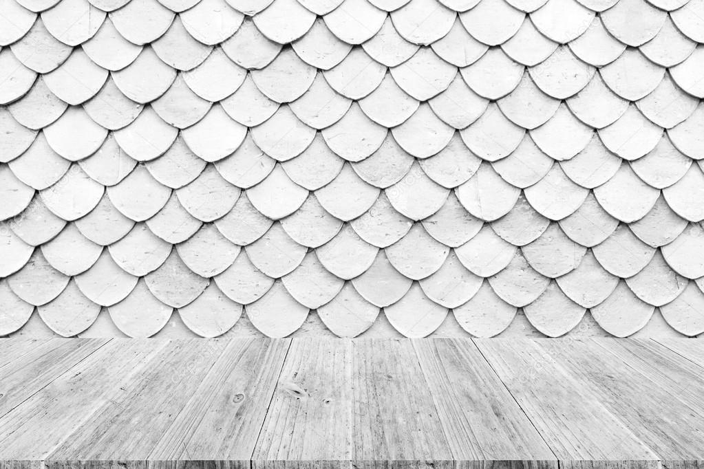 Terrazza in legno e la struttura delle mattonelle del for Tegole del tetto della casetta