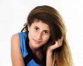 Armeniska tonårsflicka porträtt — Stockfoto