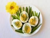 Easter healthy breakfast appetizer - eggs with dill and chive — Fotografia Stock
