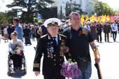 SEVASTOPOL, CRIMEA - MAY 9, 2015: Veterans at the parade — Stock Photo