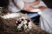Roses bouquet in a barn — Foto Stock
