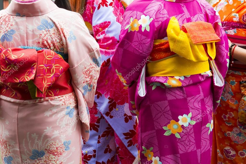 японские женщины фото сзади