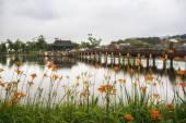 Goongnamji bridge and pagoda in lake — Stock Photo