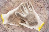 Schmutzige handschuhe — Stockfoto