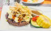 牛肉のステーキ チーズ — ストック写真