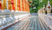 Temple walkway — 图库照片