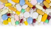 Colorful pill capsules and tablets with copy space — Stockfoto